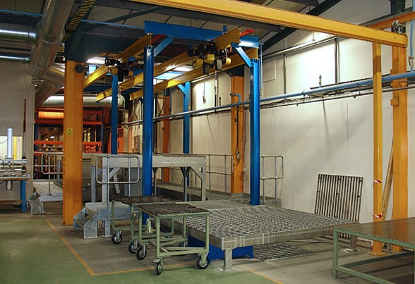 Indexing monorail for dye line