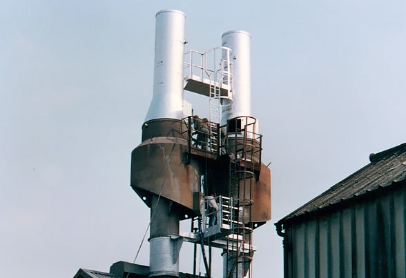 Pair of arrester chimney extensions