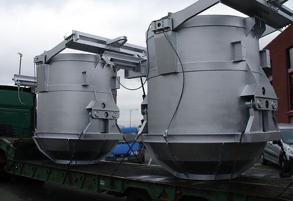 Pair of 10t capacity clam shell buckets
